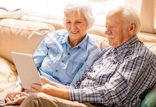 Elderly Couple iPad | pfm Medical